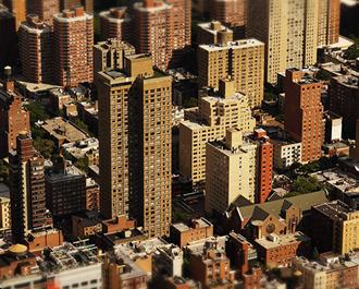 Pourquoi l'immobilier est peu sensible aux variations de la bourse
